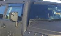 Дефлекторы окон (ветровики) для Toyota FJ Cruiser (2006-... г.в.)