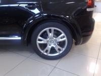 Расширители колёсных арок IKKI для Volkswagen Touareg 2006-2010 г.в.